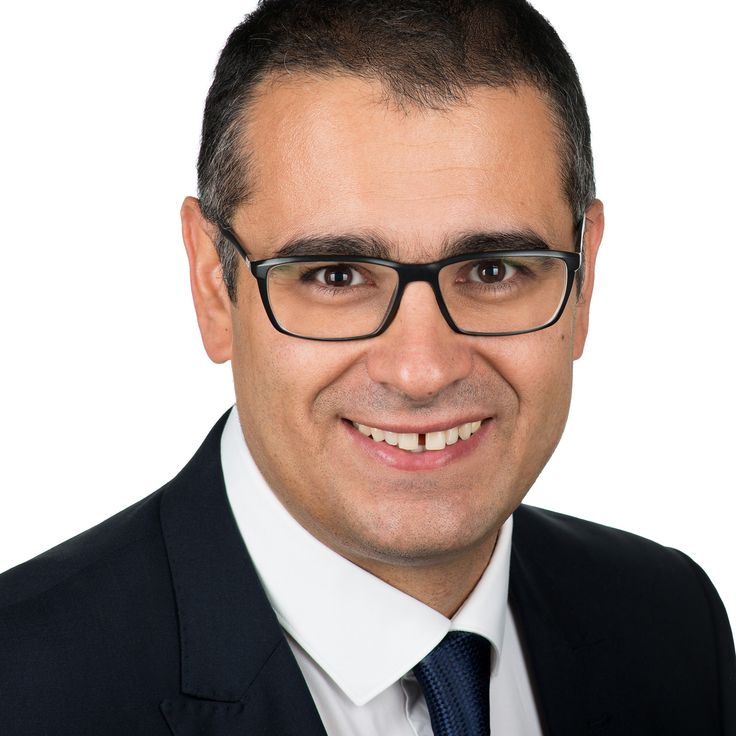 Rareș Buduru - Dentist - headshot, business portrait