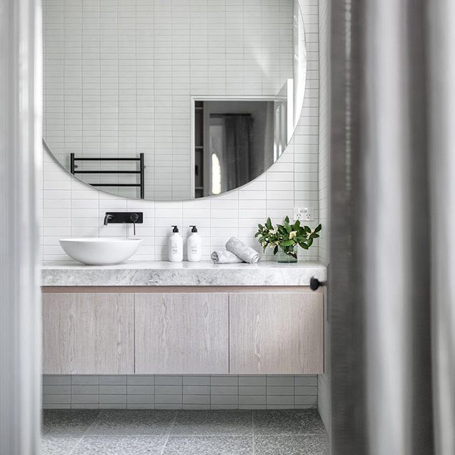 Ensuite bathroom - complete with separate make up station and walk in robe. Who else would be happy to wake up to this every morning? Project by @buildhercollective   Built by @beirinprojects   by @aspect11