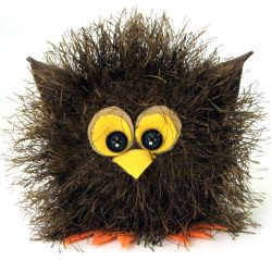 I can't get over how adorable this Baby Owl Toy is. This animal craft for kids is made from yarn.