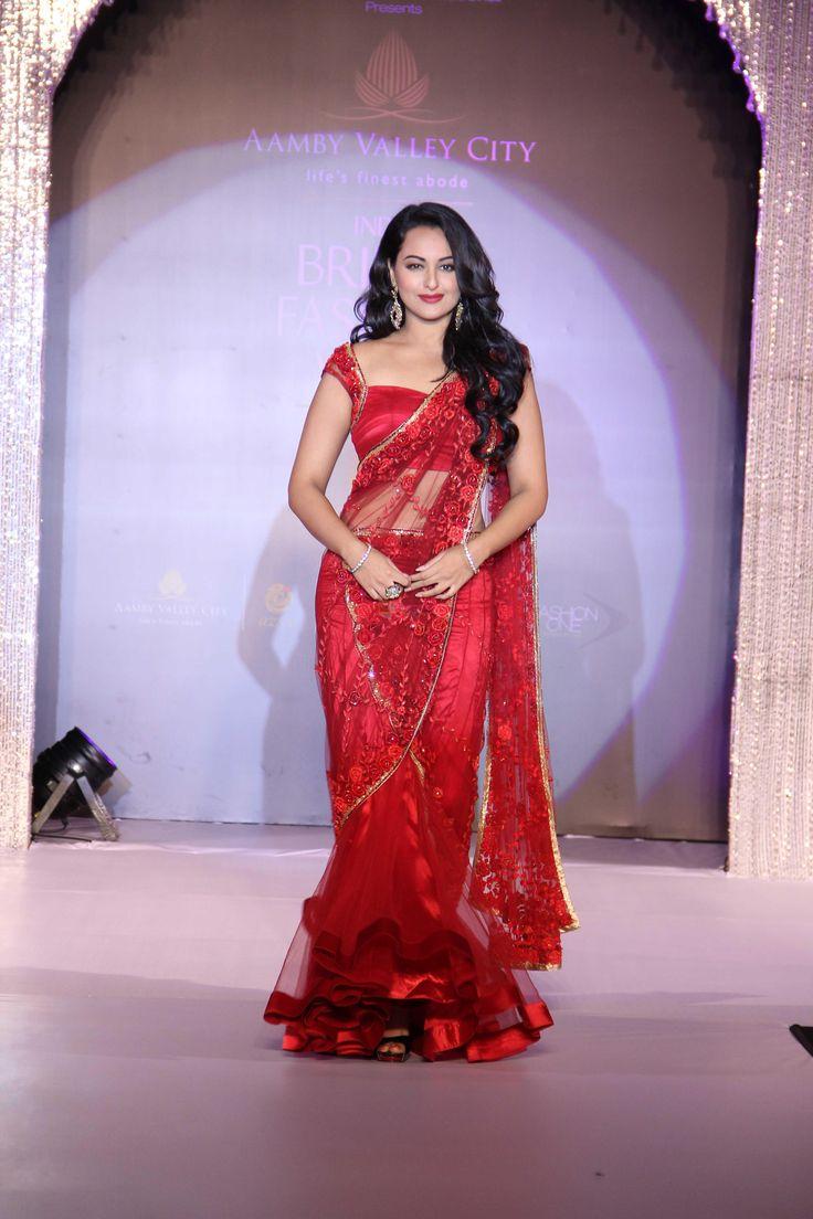 Sonakshi Sinha at Aamby Valley India Bridal Fashion Week 2012 in association with Azva / Sonakshi Sinha - Hamara Photos