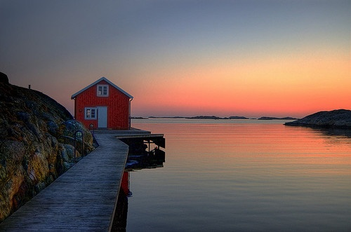 AuroraBeautiful House, Amazing Beautiful, Beach Cottages, Amazing Photography, Favorite Places, Art Inspiration, Sunsets, Johan Runegrund, Travel Guide