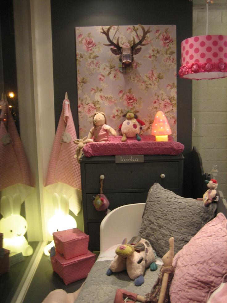Just made a new Window in my shop! With this I won the Koeka contest! Babywinkel / kinderwinkel in Leiden en online