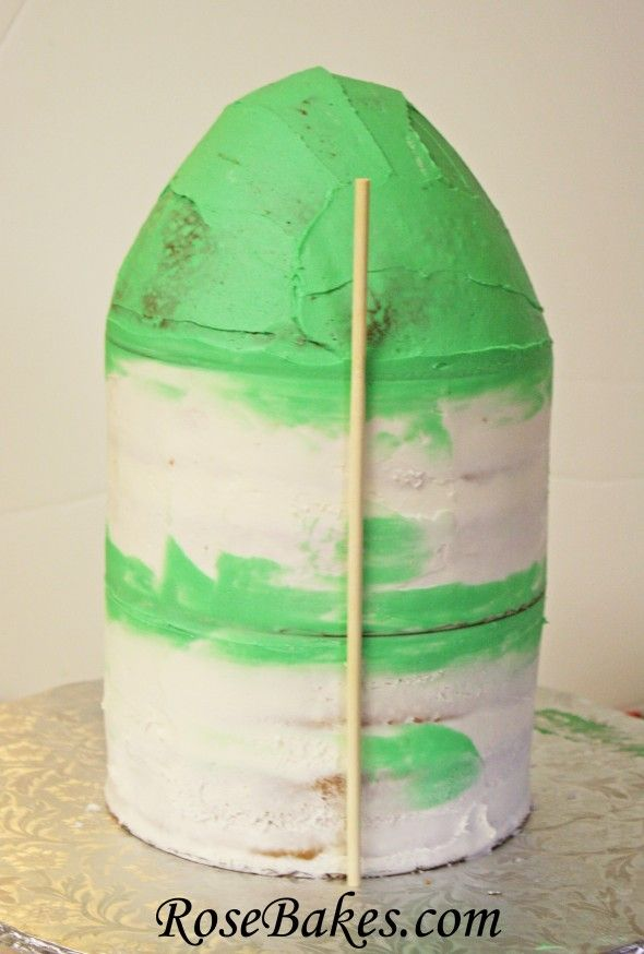 How to Make a Rocket Ship Cake {Step-by-Step Picture Tutorial}