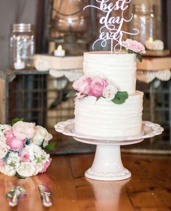 Wedding cake idea; Featured Photographer: Landino Photo