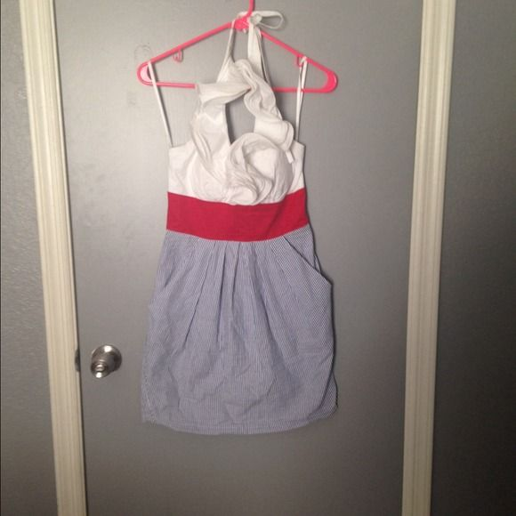 B. Smart halter dress B. Smart halter dress perfect for 4th of july. Bottom is blue and white pin stripe and has pockets. Size 4 and worn once just doesn't fit anymore B. Smart Dresses