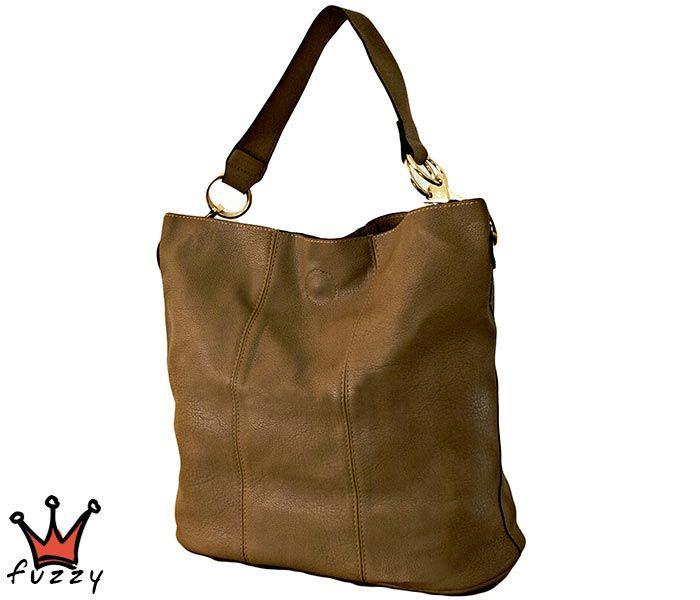 Τσάντα γυναικεία σε καφέ χρώμα, απομίμηση δέρμα, με μία εξωτερική θήκη και μία μεγάλη εσωτερική με φερμουάρ. Έξτρα λουράκι ώμου. Διαστάσεις 42 Χ 35 εκ.