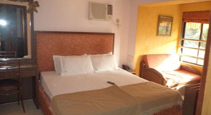 €43 Hotel Highway Residency ligt op 2 km van zowel de nationale als de internationale luchthaven van Mumbai.