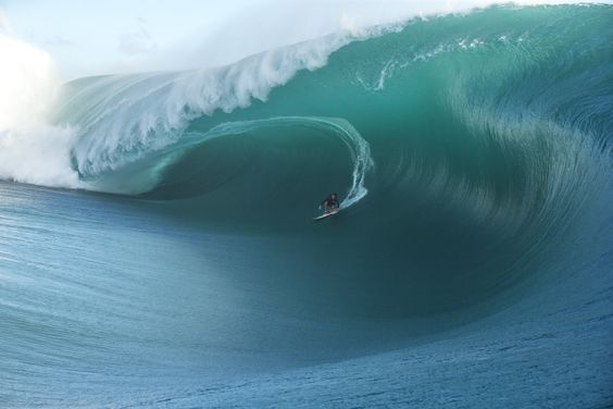 A Tahitian Spectacle at Teahupoo | SURFER Magazine