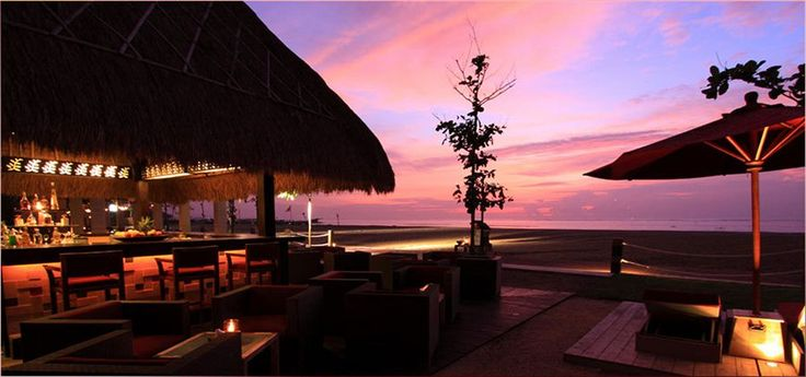Enjoy a sophisticated cocktail in one of the best sunset spots in Bali