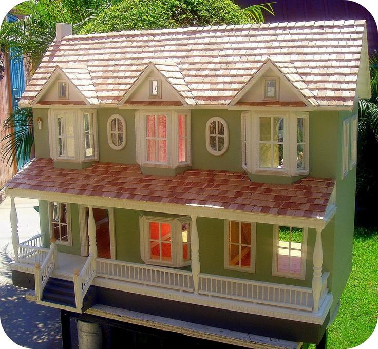 I adore dollhouses