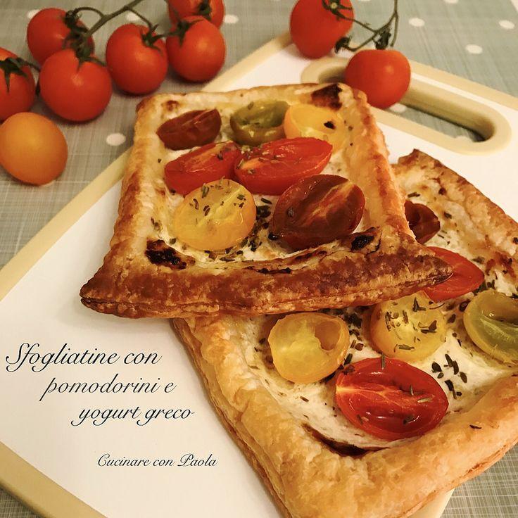 Sfogliatine con pomodorini e yogurt greco!