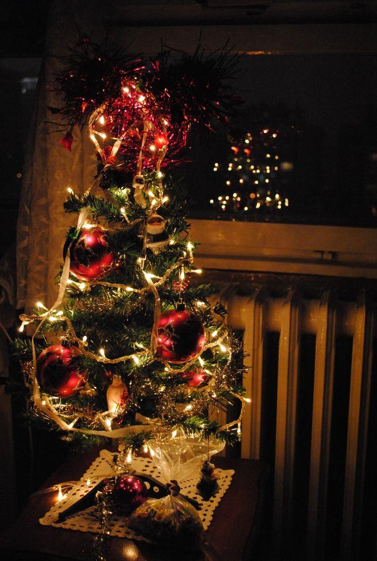 Christmas tree in night by Zaguljena.deviantart.com on @DeviantArt