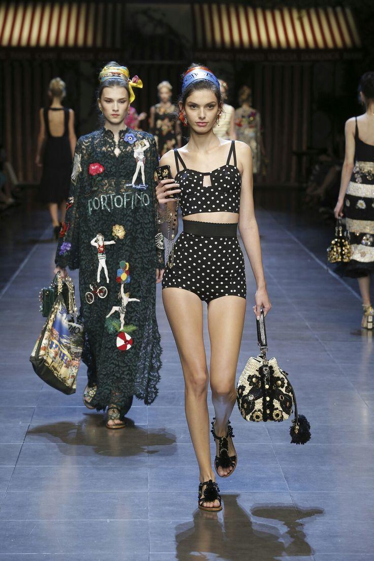 Dolce & Gabbana Summer 2016 ❤#italiaislove Women's Fashion Show. Very glamour the Polka Dots for the 2016 Summer Season! More insights on @dolcegabbana.
