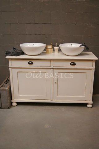 Brocante dressoir/ commode wordt badkamermeubel: leuk en UNIEK! Dressoir is te koop bij: www.Old-BASICS.nl (Webshop & grote loods) Daar vind je veel meer unieke kasten voor badkamer, keuken of woonkamer!