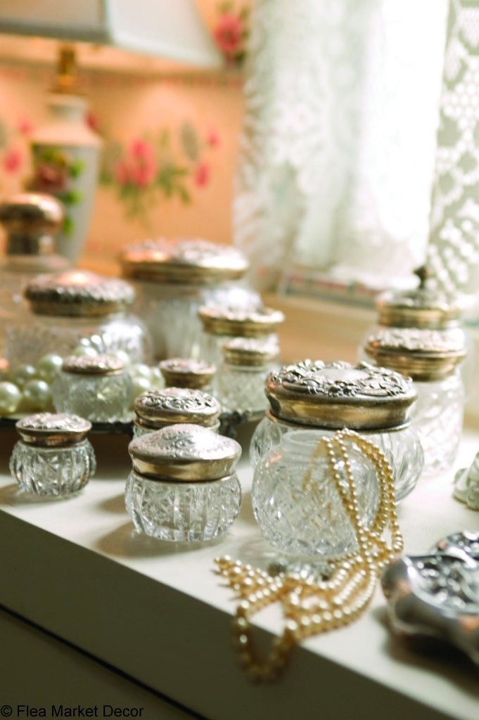Collect It: Vintage Powder Jars – Flea Market Decor