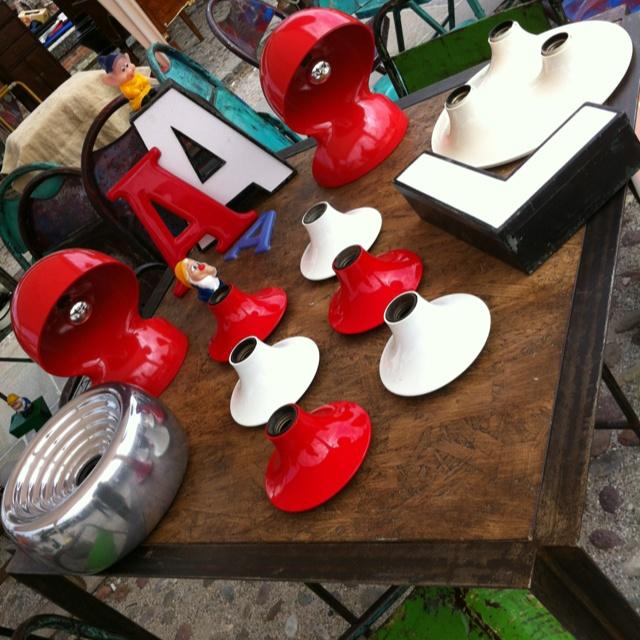 Alcuni oggetti che trovate in vendita, chiedete pure qualunque info.