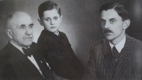 Janusz Szweycer z najstarszym synem Andrzejem i wnusiem Michłkiem