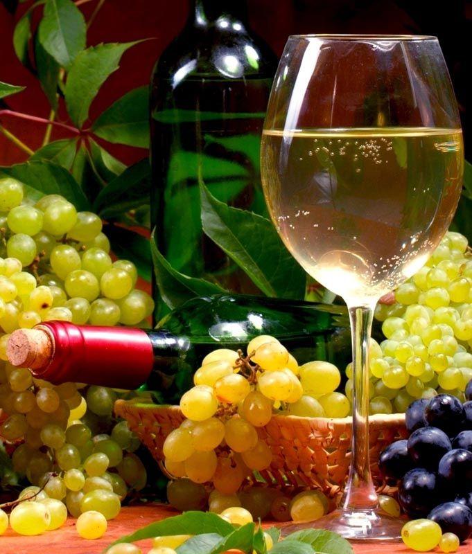 Το κρασί να είναι άφθονο ...