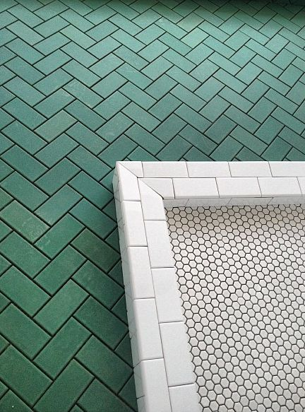 44 best Color Spotlight Dark Green Tile images on  : 1e253f6e7f77841694299c2b78af4c1d small white bathrooms tiled bathrooms from www.pinterest.com size 432 x 583 jpeg 73kB