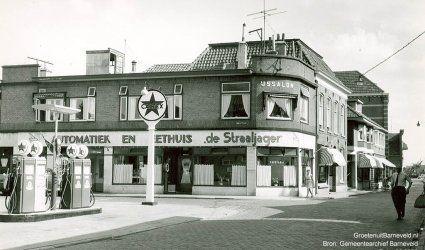 De Langstraat benzinepomp te Barneveld 1960
