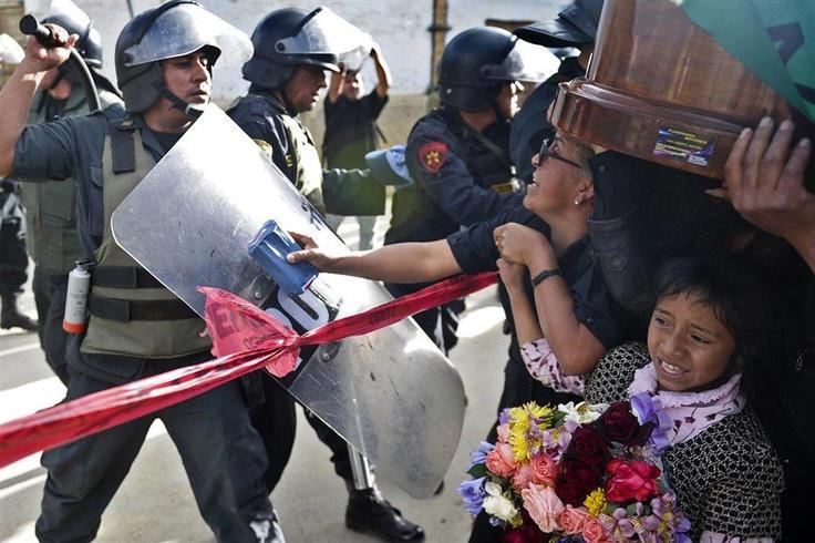 te equivocaste, Humala, te equivocaste. (Entierro de Joselito Vásquez. Cajamarca, julio de 2012)