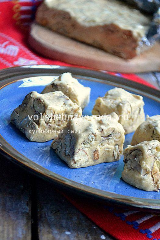Торроне - это итальянская нуга. Приготовить просто.
