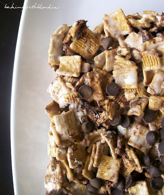 Baking with Blondie: S'mores Krispie Treats: Golden Graham Bar, Smore Krispie, S More Krispie, Recipes, Krispie Treats, Snacks, Baking, Cereal Treats, S Mores Krispie