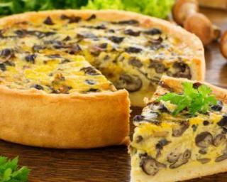 Tarte à la carotte, olives et champignons de Paris…