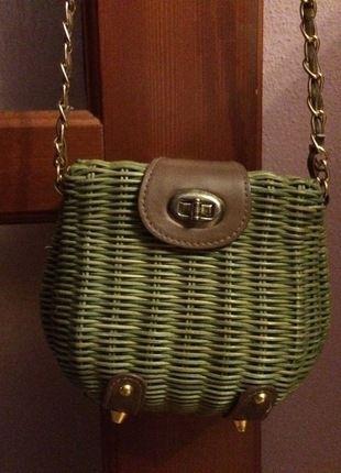 Kup mój przedmiot na #vintedpl http://www.vinted.pl/damskie-torby/torby-na-ramie/11697492-piekna-zielona-pleciona-torebka-na-ramie
