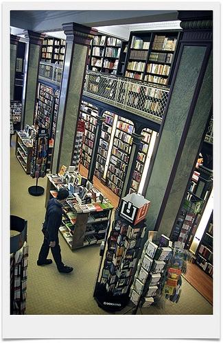 Book shop.  At Ciudad Vieja.    [Photo taken by Gonzalo Viera Azpiroz]
