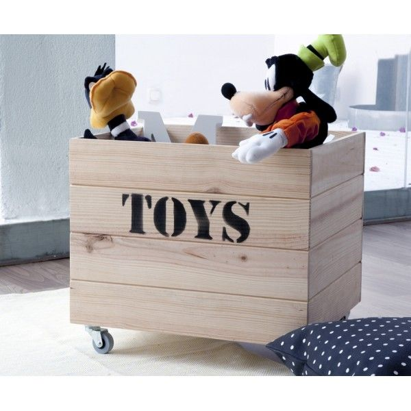 Toys contenedor de madera  Un contenedor de madera ideal para organizar los #juguetes de los peques. Acabado en madera natural, puedes elegirlo con o sin ruedecitas. #muebles #decoracion