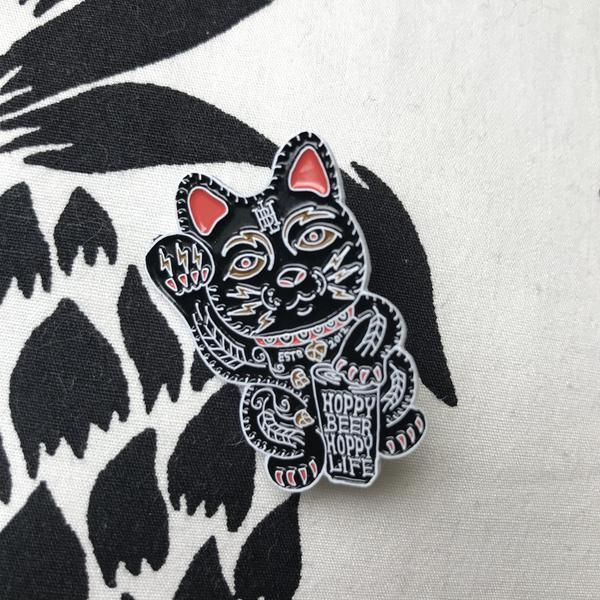 Lucky Beer Cat enamel pin for all the hop, craft beer, home brewing fans. Indie Beer! Show your love for brews, especially hoppy brews with some pin love. Meow!