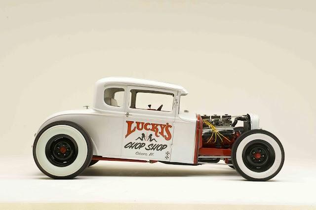 Luckys chop shop. (Model cars, plastic models)