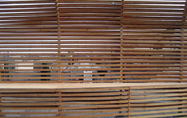 Garden wood slat screen wall facades pinterest wood for Wooden garden screen designs