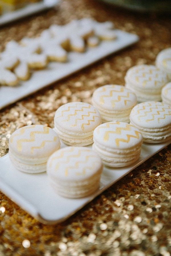 Exquisite gold and white chevron macarons #dessert #macarons