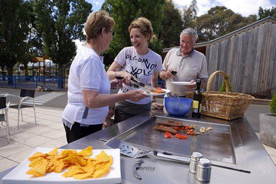 BIG4 Ballarat Goldfields Holiday Park BBQ Area