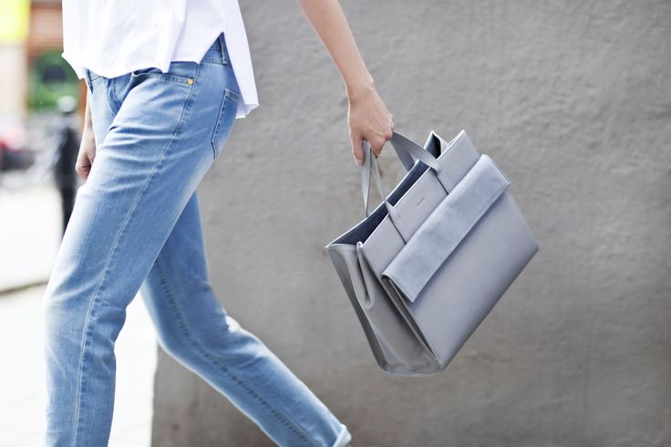 Street style spotted: La Mania GISELE shopper bag and AUDREY denim - the most wanted city look! #LaMania #StreetStyle #photo @asiatypek