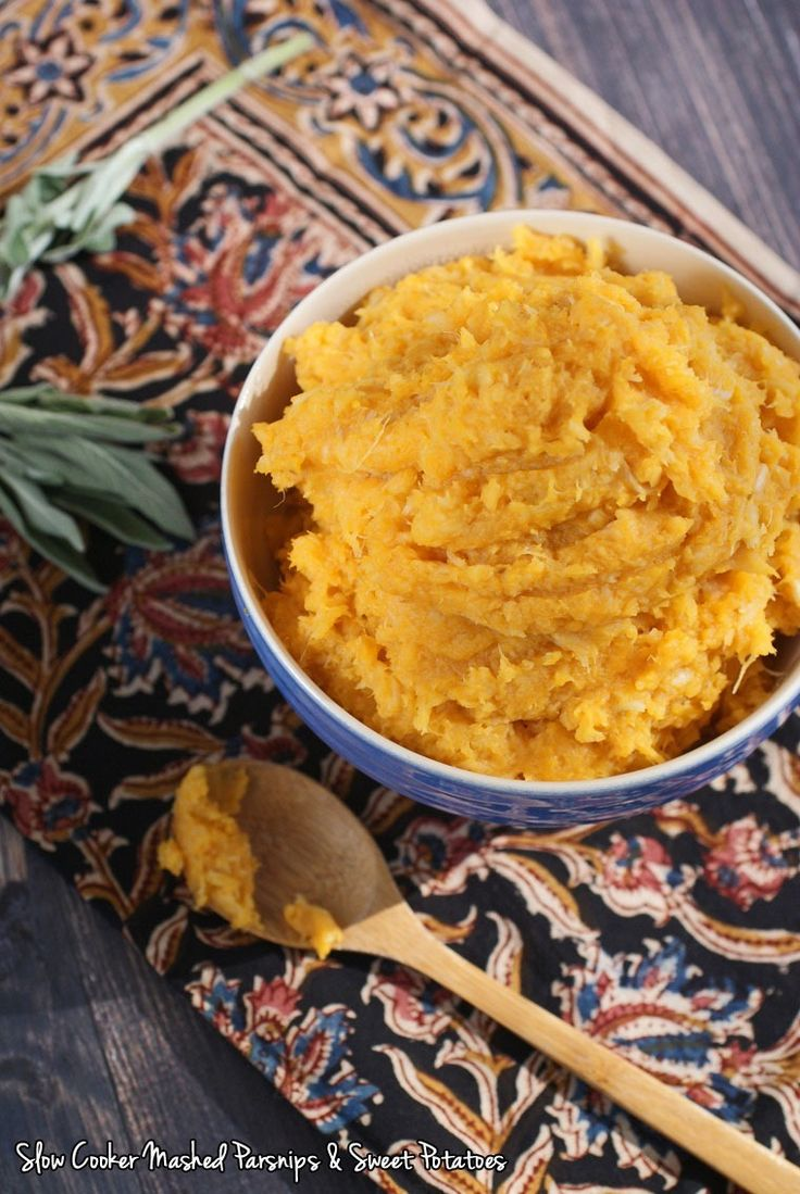 Looking for a healthy slow cooker side dish for Thanksgiving? Try this Slow Cooker Mashed Parsnips & Sweet Potatoes recipe from This Mama Cooks! On a Diet