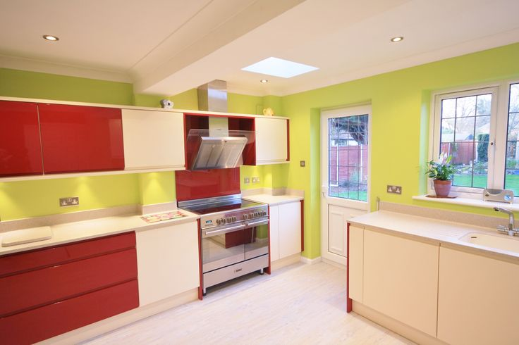 17 best images about mersea bespoke gloss kitchen in for Lime green kitchen wallpaper