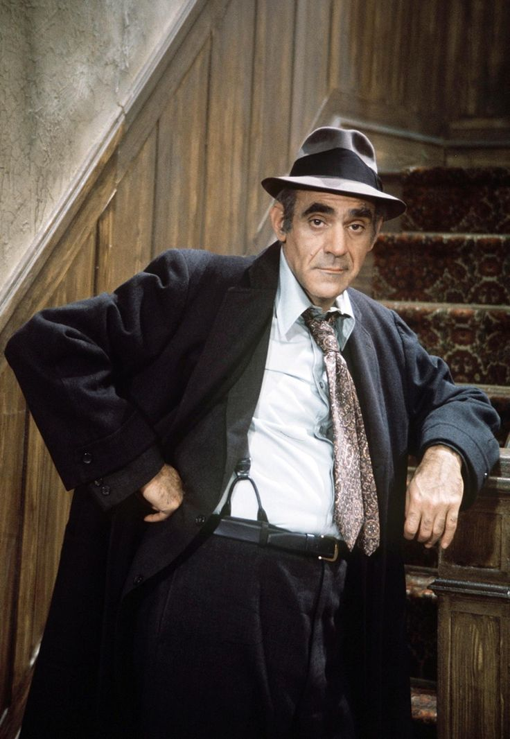 """Abe Vigoda (17)Vigoda reprised his role as Det. Phil Fish from """"Barney Miller"""" for his own spin-off show, """"Fish."""" In the new series, fans witnessed the domestic side of Detective Phil Fish and his wife, Bernice, as the couple becomes the foster parents of five racially mixed street kids who need supervision."""
