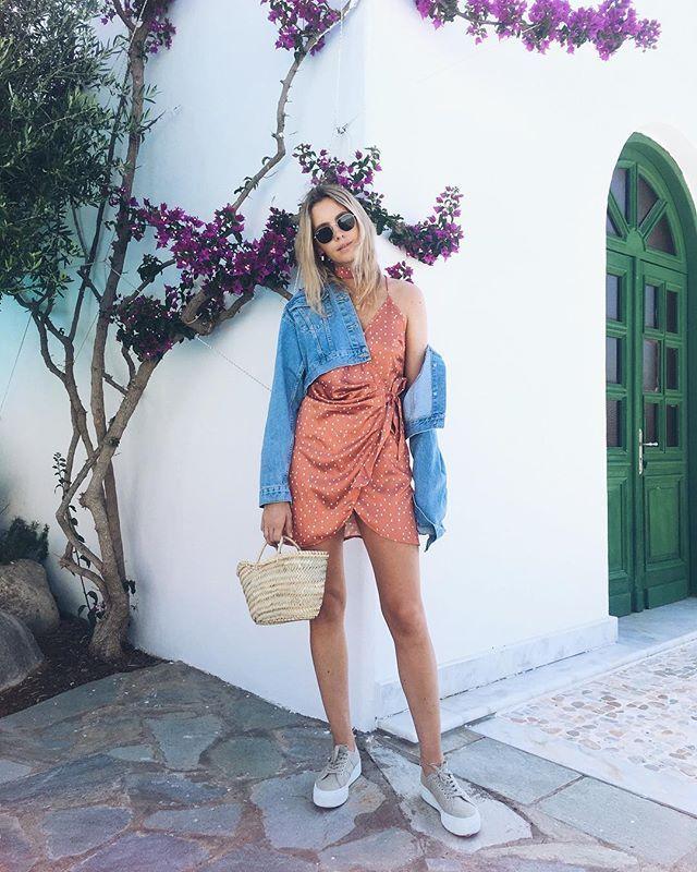 WEBSTA @ moderosa - Cute summer dress and tanned legs #summer