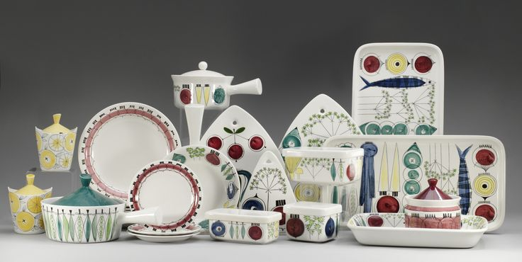 Picnick by Marianne Westman for Rörstrand. This stylish china collection has more than 87 parts. I like that the parts are so diverse.
