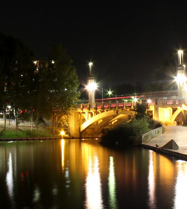 Adelaide and Beyond: Bridge By Night ..... King William Street Bridge