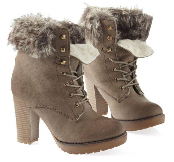 buty zimowe na słupku   Cena: 45,00 zł  #nowezimowe #butyzimowe #taniezimowe #housezimowe #szarezimowehouse