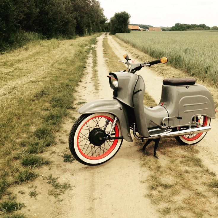25 best ideas about schwalbe moped on pinterest simson felgen simson moped and simson motor. Black Bedroom Furniture Sets. Home Design Ideas