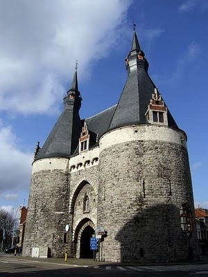 The Brussels Gate in Mechelen, #Belgium #gate #beautifulplaces
