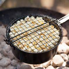 #design3000 Pfanne zum Zubereiten von frischem Popcorn für Lagerfeuer und Grill.
