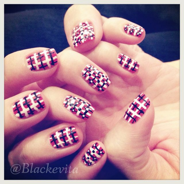 Nails_Plaid Nails