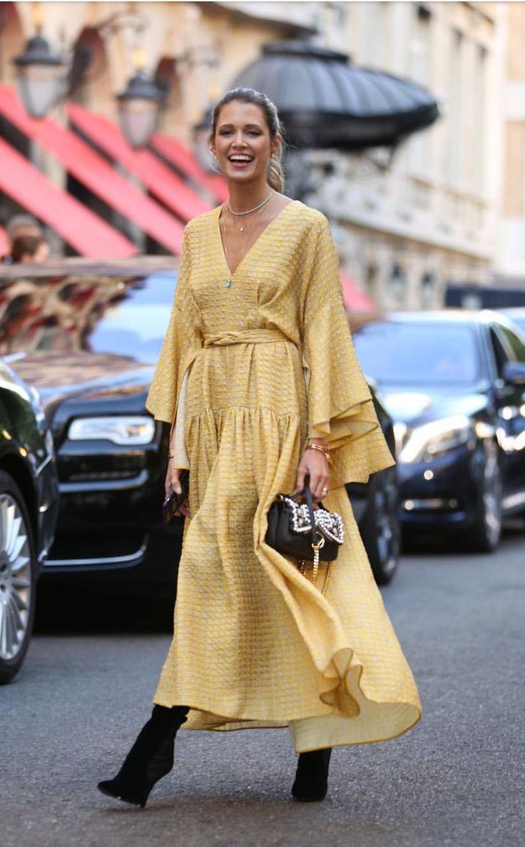 Yellow // Boheme // street style // maxi chic bohemian dress
