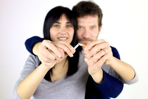 Wie du deinem Liebling mit natürlichen Mitteln beim Rauchstopp helfen kannst.